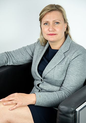 Ariane Theuer